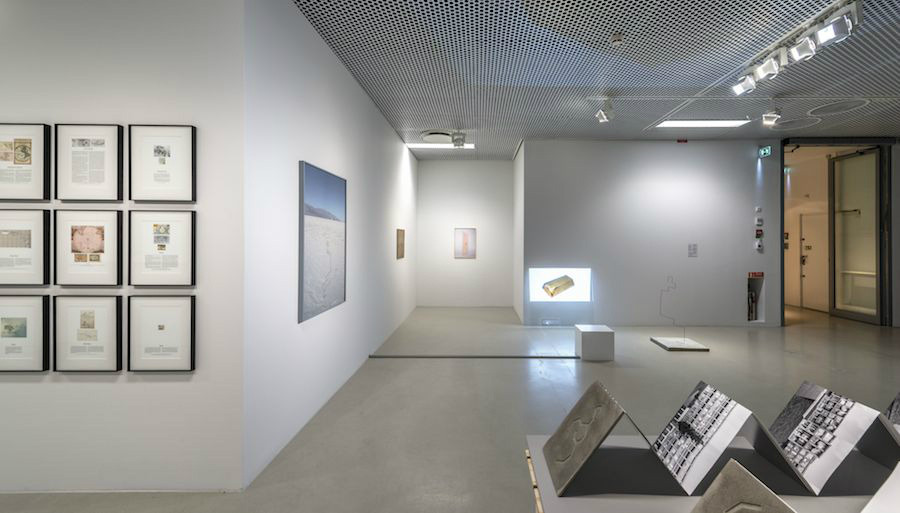 Lukasz Jastrubczak, Movement #4, 2011/2014; Golden Perspective, 2011; Golden Bar, 2014; Hologram, 2013